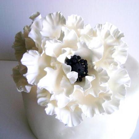 Wedding Cake Topper. White Poppy Cake Decor. Flower Cake Topper. Clay Wedding Cake topper Made to Order